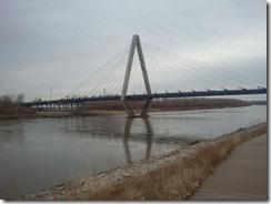 Bond Bridge in Kansas City - View from south bank, looking downstream